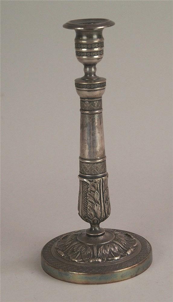 Kerzenhalter - versilbert,Vasentülle, Rundfuß,Reliefzier mit Akanthusblatt-Motiv, H.ca.28cm,Altersspuren