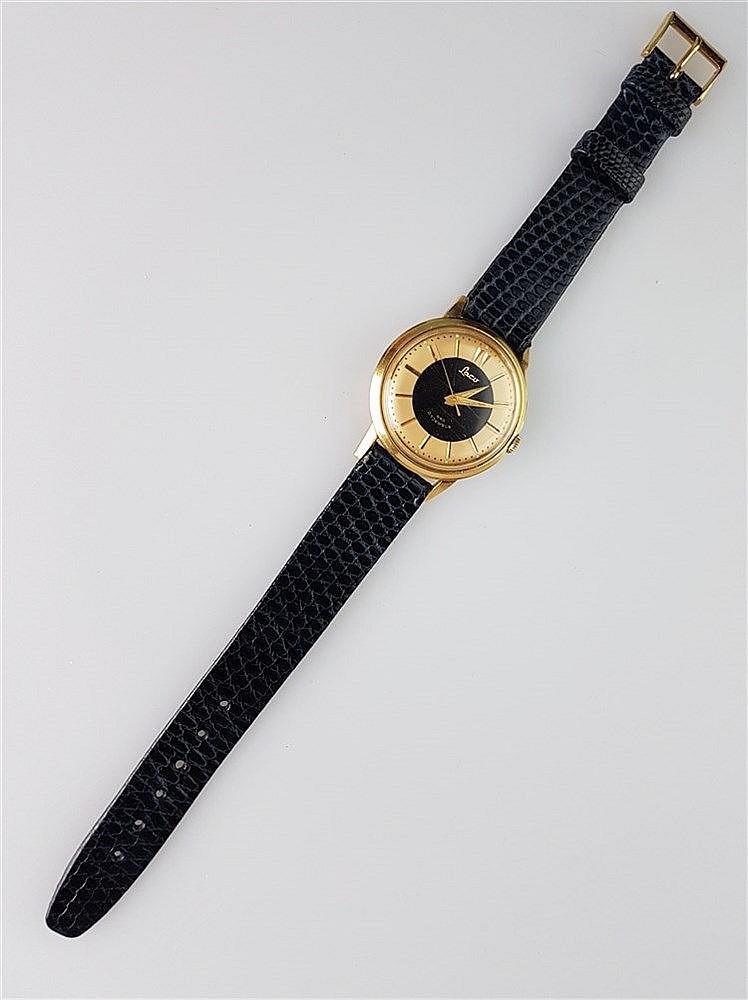 Herrenarmbanduhr - Laco, mechanisches Werk, 21 Jewels, vergoldet, Modellnr.440, um 1960, schwarzes Lederarmband, Durchmesser ca. 34 mm