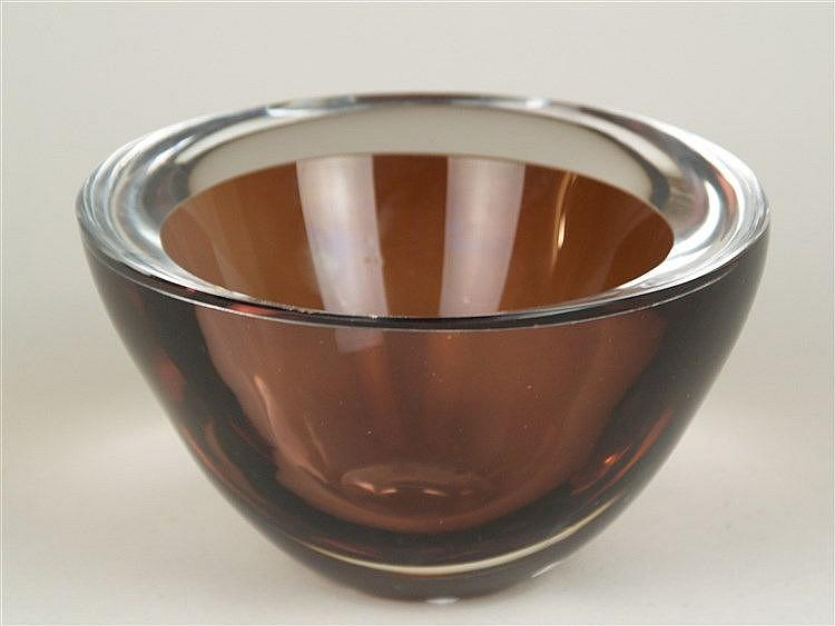 Costa Boda Schale - signiert, Mod.1443, D.ca.17,5cm, H.ca.10,5cm, unterfangenes Glas, schwere Ausführung ca.2660g