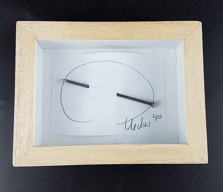 Uecker,Günther (*1930 Wentdorf) - Nagelbild, Bleistift und Nagel auf Papier,auf Karton im Objektkasten montiert,in Blei signiert und datiert ''Uecker [19]90'',Objektkasten ca.16 x 21 x 5 cm