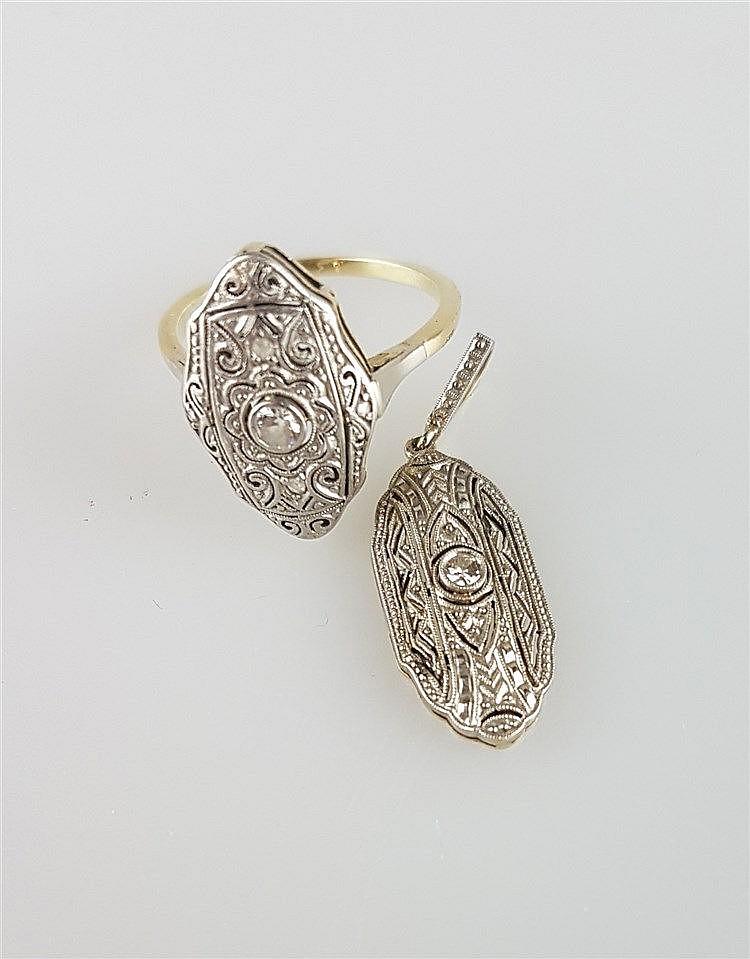 Ring mit passendem Anhänger - silberne Platte mit Verzierung, durchbrochen, besetzt mit einem Diamanten, Ring mit einem Diamanten und 4 Diamantsplittern, L ca.2 cm