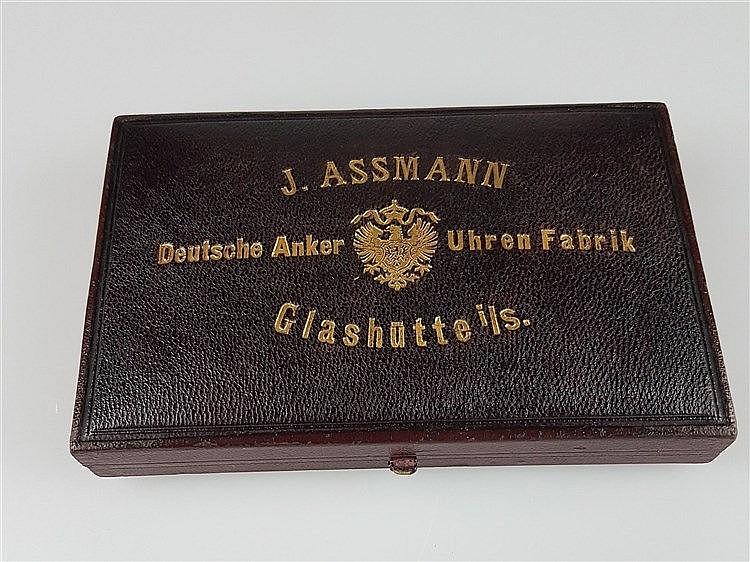 Uhrenkasten für Herrentaschenuhr - J.Assmann, Originalkasten, Glashütte, D.ca.54cm, ca.8,4x 14,4cm