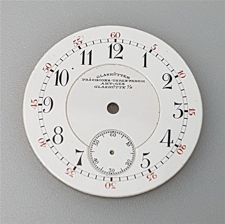 Zifferblatt - für Damentaschenuhr,signiert Glashütter Präzisons-Uhrenfabrika, Akt.Ges.Glashütte i/S signiert,arabische Ziffern und kleiner Sekunde,D.ca.28mm