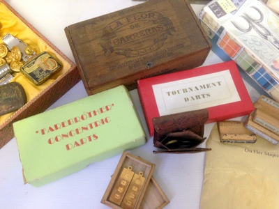 A box of sundries to include