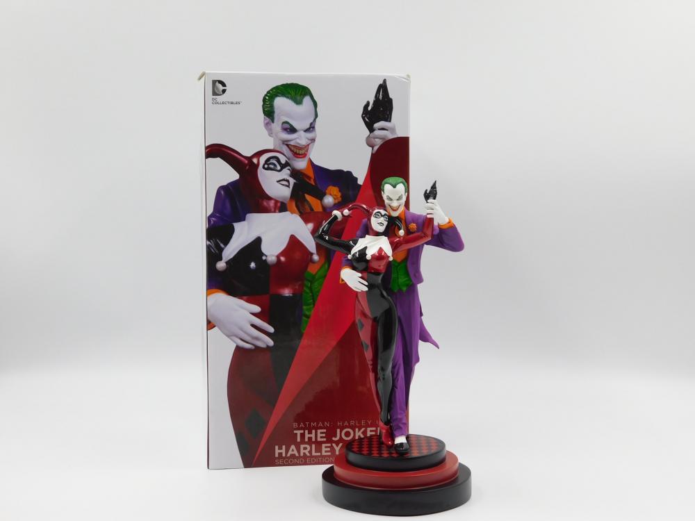 The Joker & Harley Quinn Statue