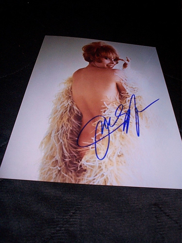 8x10 cheesecake publicity photo autographed by
