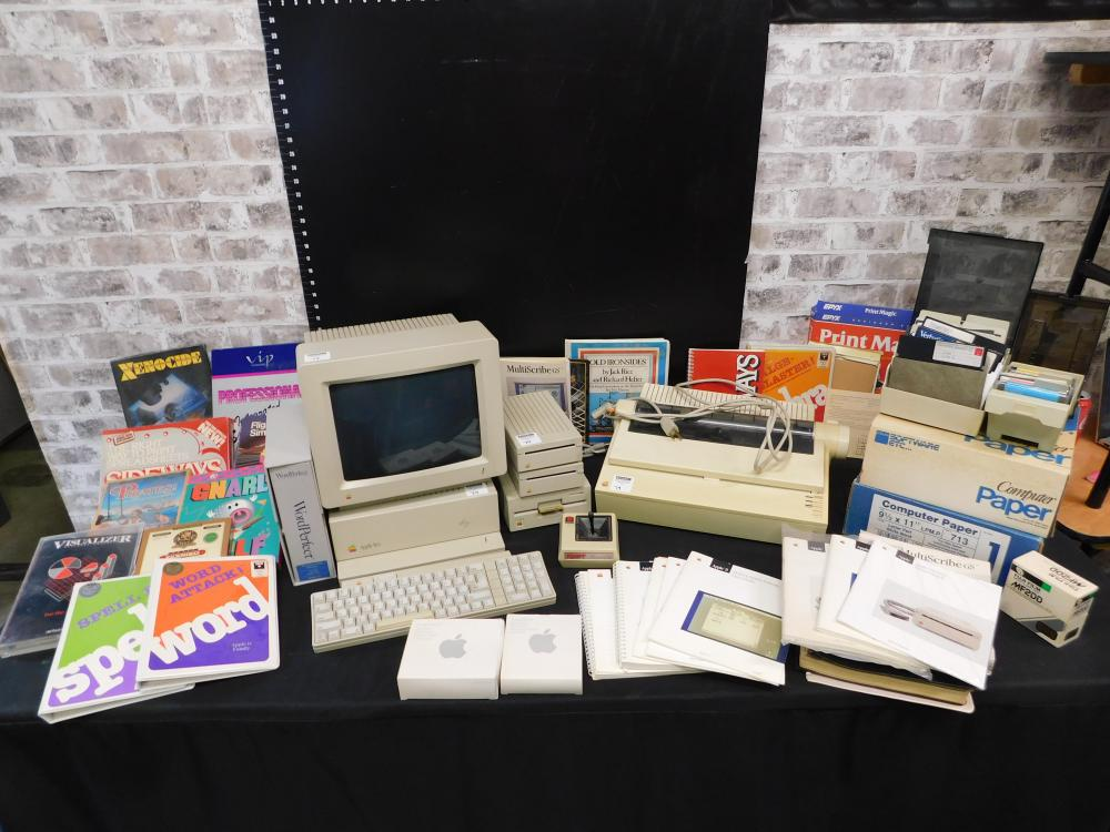 Apple II GS Limited Edition Computer System Lot