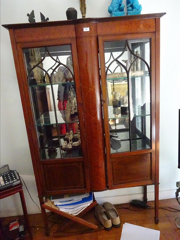 vitrine en bois de placage d cor marquet de filets en boi. Black Bedroom Furniture Sets. Home Design Ideas
