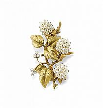 GOLD, DIAMOND AND PEARL BROOCH