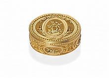 ELEGANT ANTIQUE GOLD SNUFF-BOX
