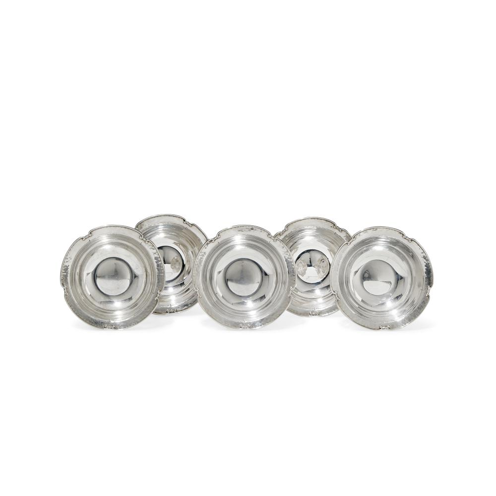 GRUPPO DI DODICI BOWLS IN ARGENTO - GROUP OF TWELVE SILVER BOWLS
