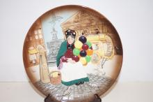 Cabinet plate, boxed, Royal Doulton 'The Old Balloon Seller' D6649
