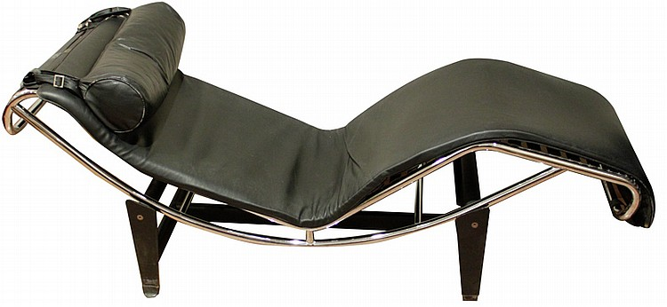 Replica of a le corbusier 39 s chaise longue for Chaise longue jardin le bon coin