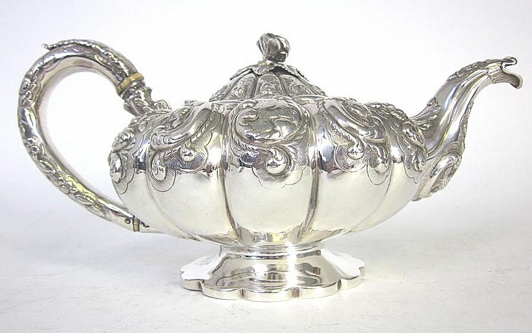 A George IV silver teapot, by John James Keith, London 1828,