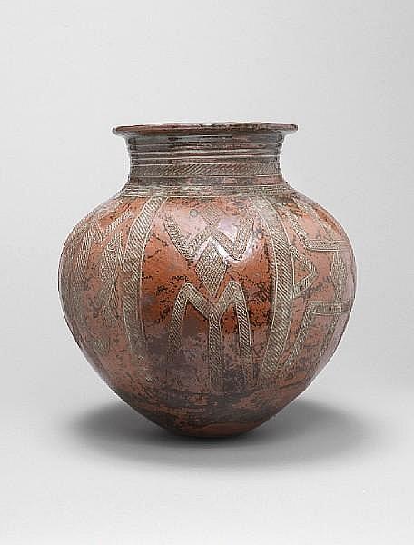 Ladi Kwali (Nigerian 1925-1984) A large Abuja stoneware water Pot, circa 1960