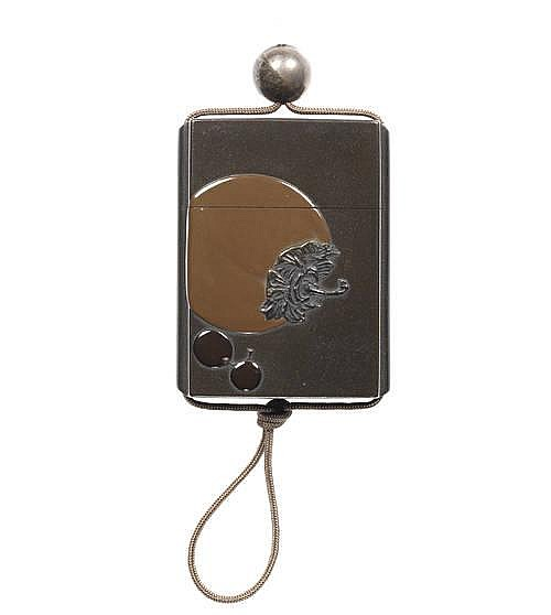 A lacquer single-case inro