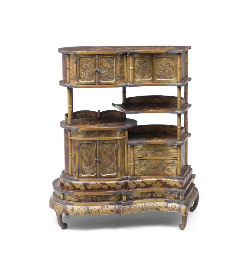 A gold-lacquered shodana (display cabinet) Meiji era (1868-1912), late 19th/early 20th century (2)