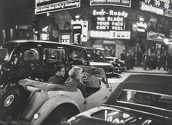 Bert Hardy (British, 1913-1995) Busy Streets, Piccadilly, London, 1953 22.1 x 29.7cm (8 11/16 x 11 11/16in).