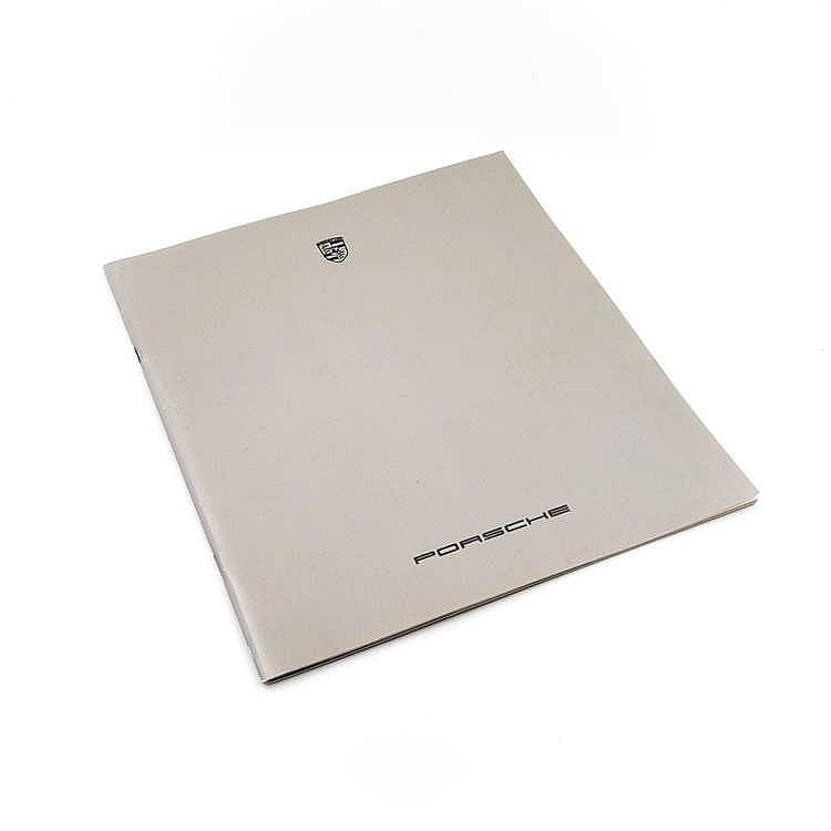 catalogue de pr sentation en allemand de la gamme porsche 19. Black Bedroom Furniture Sets. Home Design Ideas