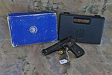 BERETTA MODEL 92FS 9MM W/ CASE&BX &cleaning rod