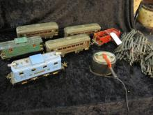 LIONEL TRAIN SET 5 CARS, ENGINE, TRACK, AND TRANS