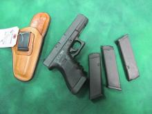 GLOCK  MODEL 17 9MM W/ 3 CLIPS & LEATHER HOLSTER