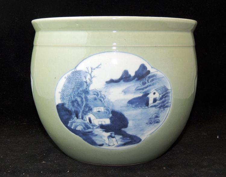 Chinese Porcelain Cache Pot