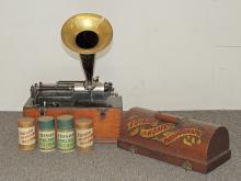 Oak Edison Home Phonograph