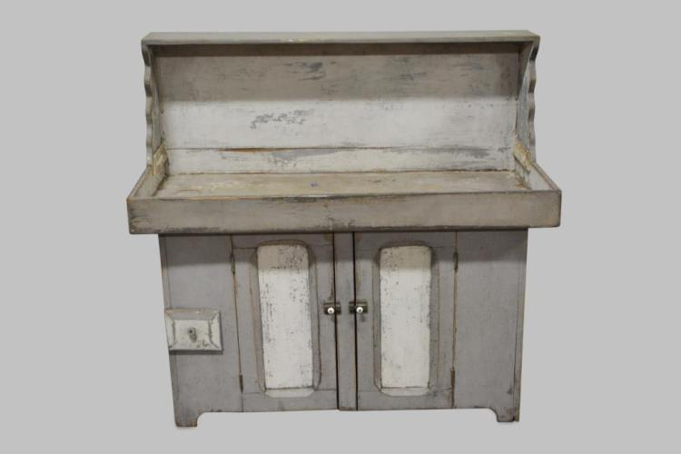 Pa. Dry Sink in Old Gray Painted Surface 46 3/4