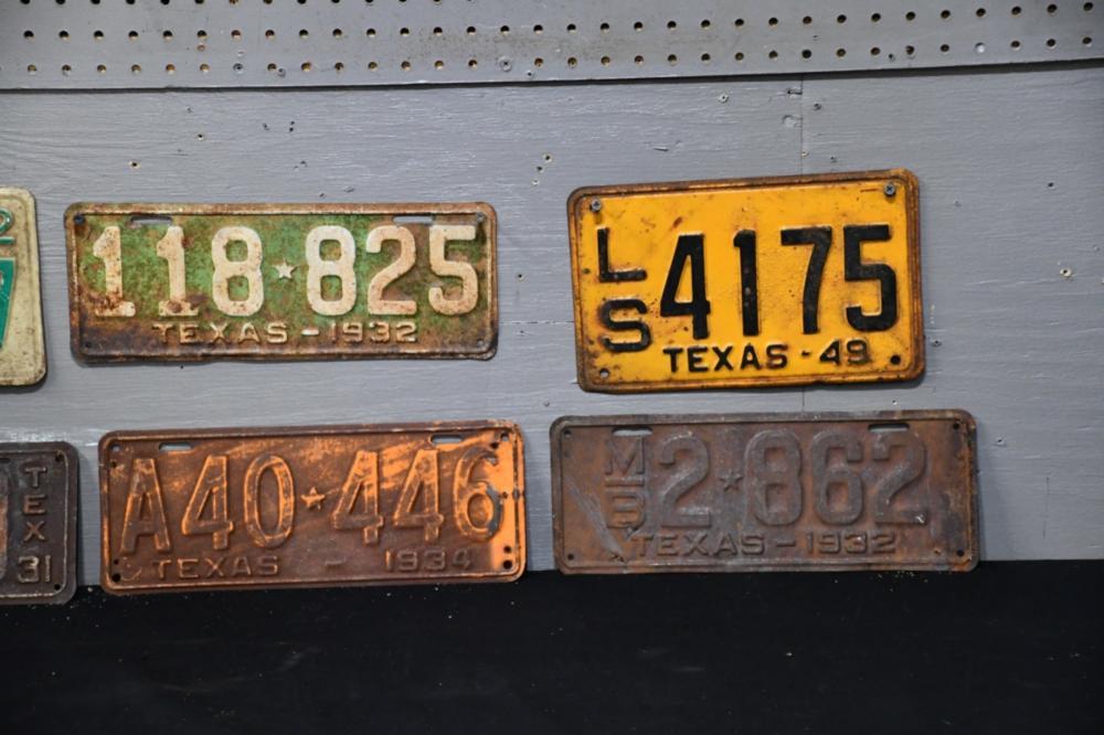 6 pc vintage texas license plate lot. Black Bedroom Furniture Sets. Home Design Ideas