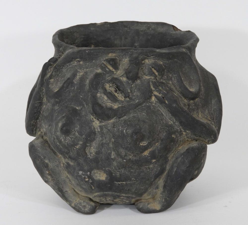 Native American Mississippi Earthenware Effigy Pot