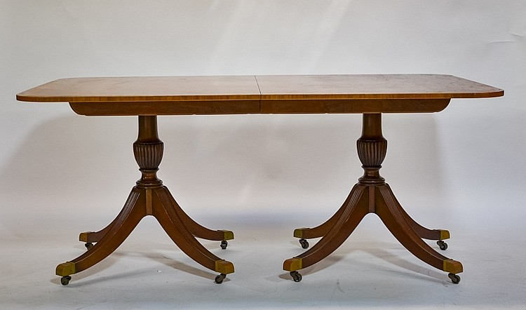 Baker Banded Inlaid Cherry Pedestal Table 4 Leaves