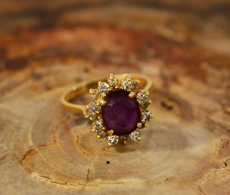 Ladies 14KT Gold Amethyst Diamond Cocktail Ring