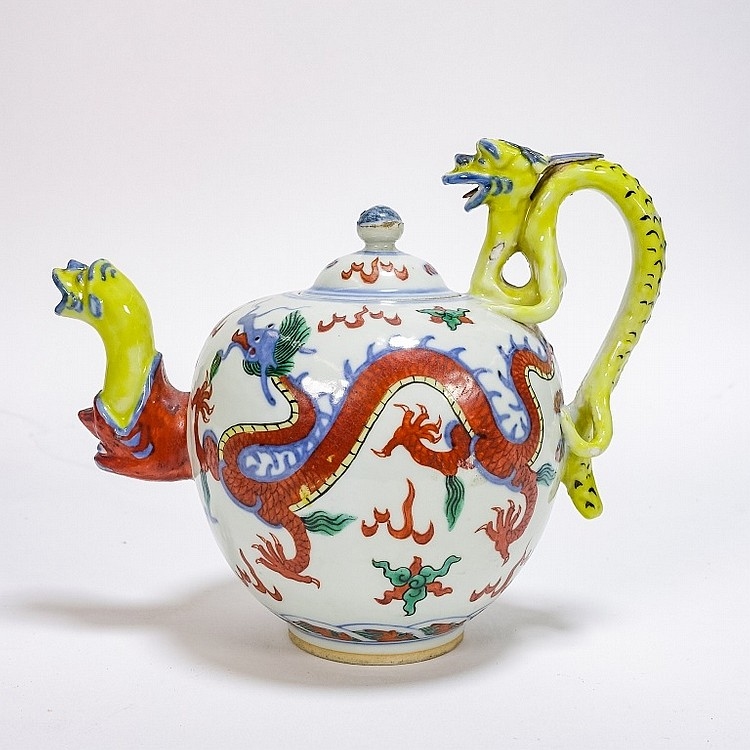 Chinese Ming Dynasty Style Wucai Dragon Teapot