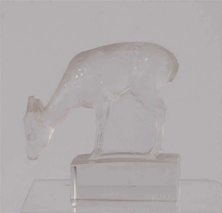 Lalique Faon Statuette en cristal. Signé R. Lalique. H. 8 cm.