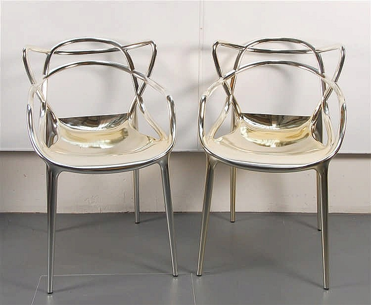 Philippe Starck  (1949-) Paire de chaises Kartell Masters cha