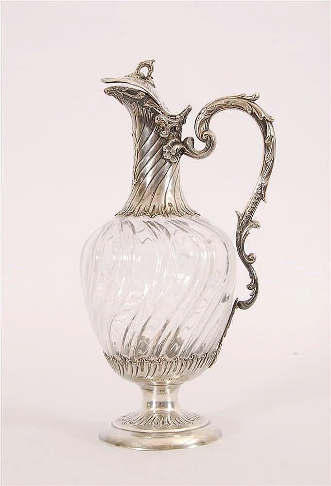 Carafe Cristal taillé et argent poinçonné à la tête de Minerve.
