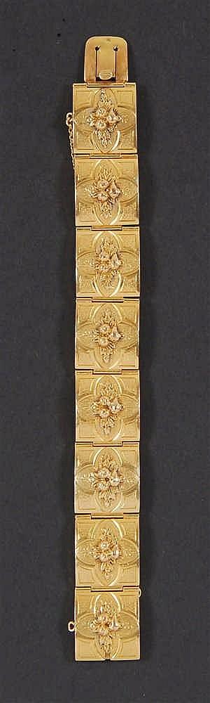 Bracelet A huit maillons ornés de motifs floraux. Napoléon III,