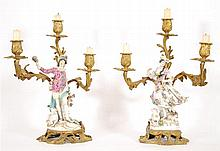Paire de candélabres à trois branches Figurines en porcelaine po