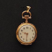 Petite montre de gousset Cadran émaillé, or jaune, revers gravé.