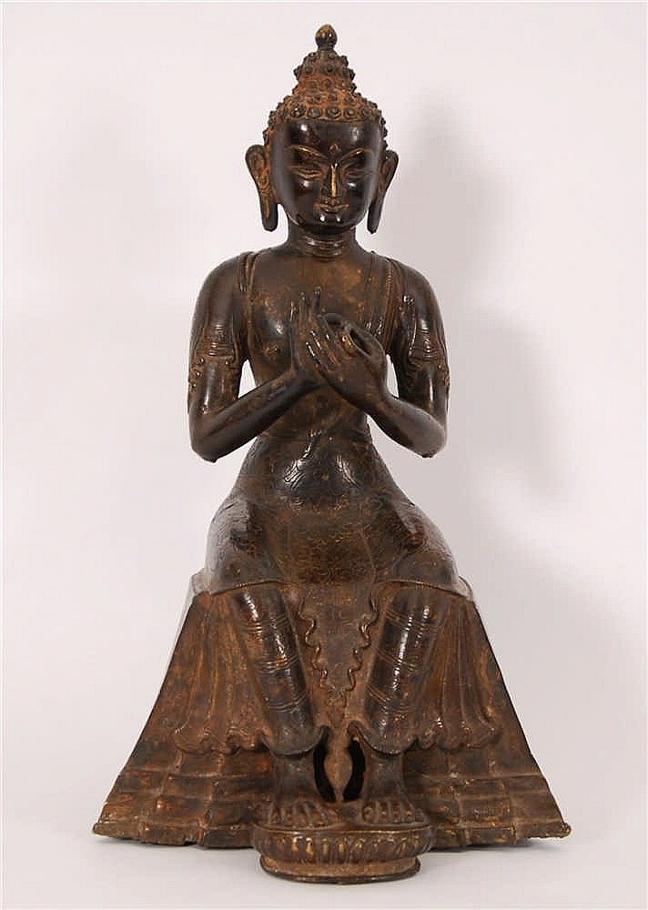 Bodhisattva assis Bronze. Travail thaïlandais. H. 35,5 cm.
