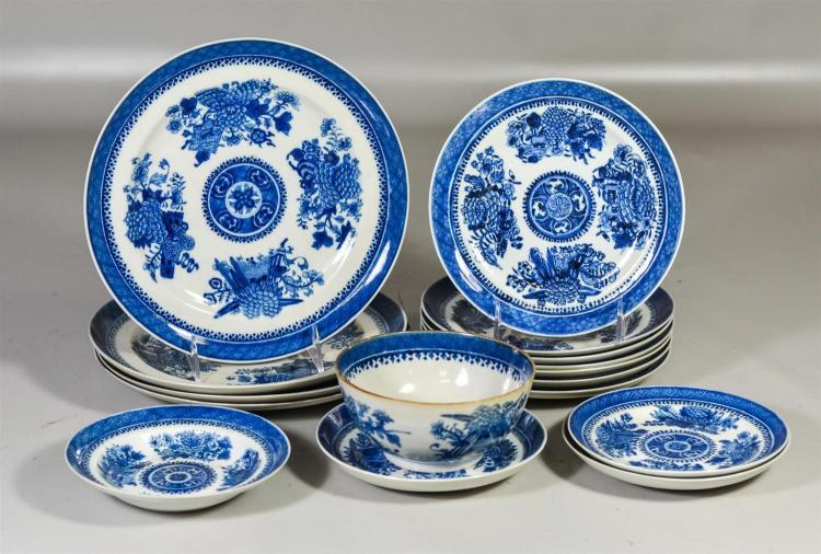 (16) Piece Chinese Export blue & white Fitzhugh pattern, including 4 dinner plates, 9-1/2
