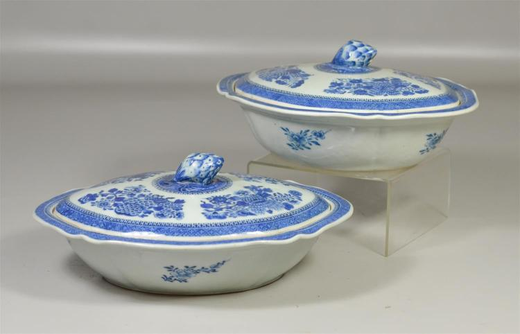 (2) Chinese Export blue & white Fitzhugh pattern covered vegetable dishes, largest 11-1/2