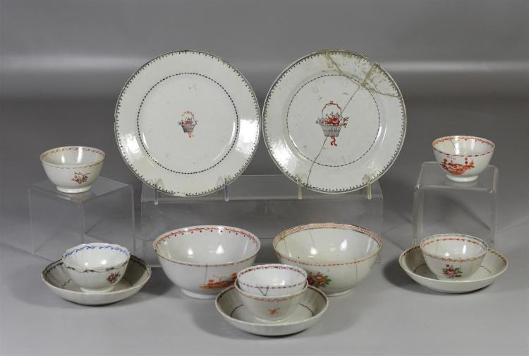 13 pieces of Chinese export porcelain, cups, saucers, small plate and bowls, all in