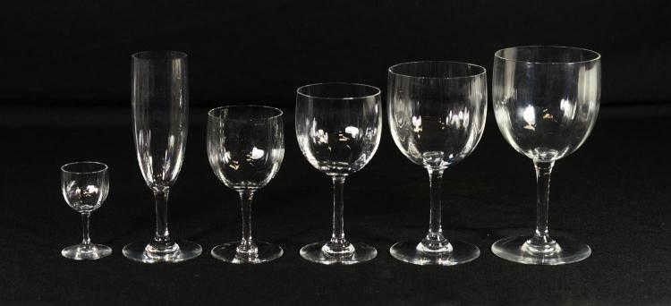 133 pcs Baccarat Montaigne crystal stemware, c/o 31 juice glasses, 30 champagne flutes, 29 red wines, 23 cordials, 16 water goblets,...