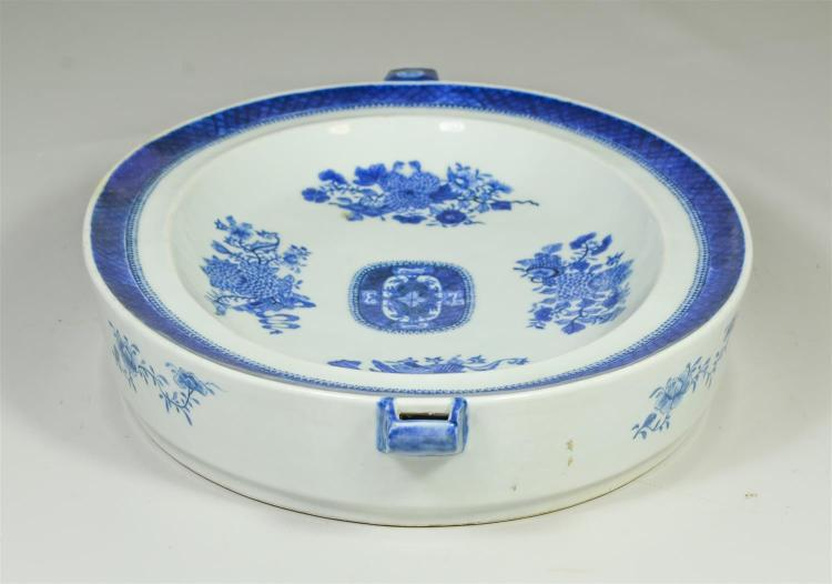 Chinese Export blue & white Fitzhugh pattern oval warming dish, 15-1/2