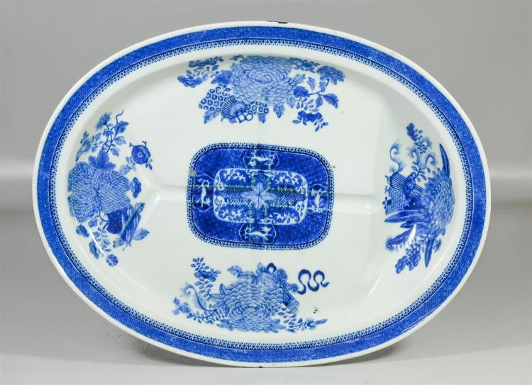 Chinese Export blue & white Fitzhugh pattern tree & well platter, 17-3/4