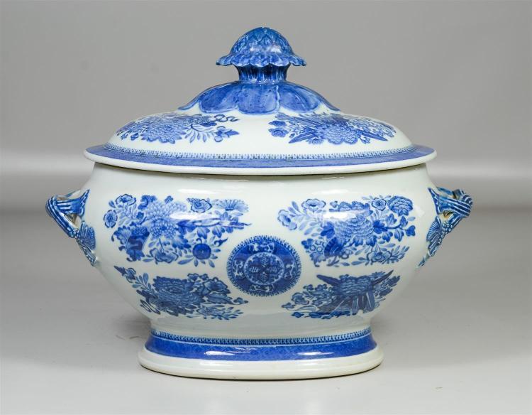 Chinese Export blue & white Fitzhugh pattern tureen, Elinor Gordon label to both lid & base, 14