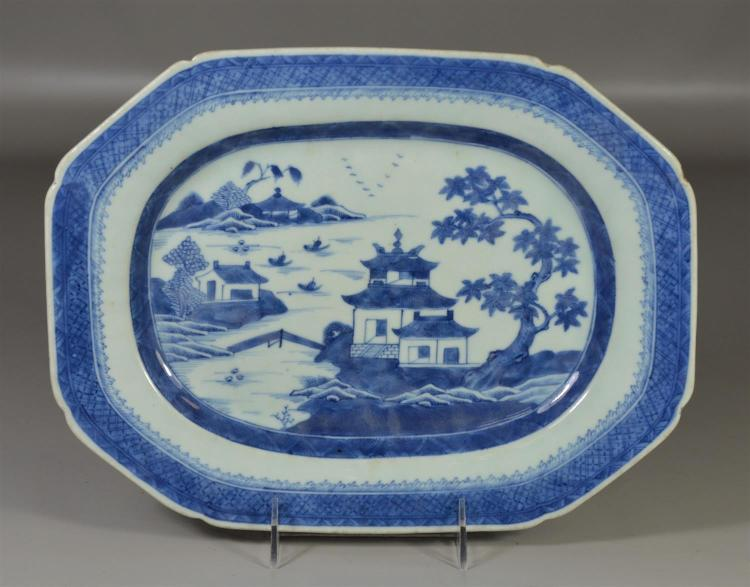 Chinese export Nanking pattern platter, one minor rim frit, 12 1/2