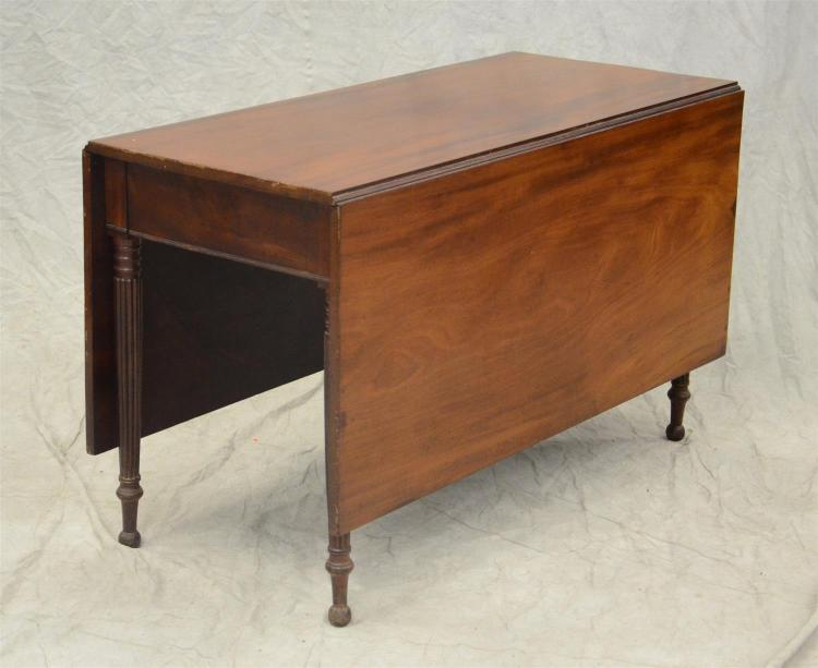 Mahogany Sheraton Philadelphia drop leaf dining table, rectangular top and leaves on a base with turned and reeded legs, 29-1/2